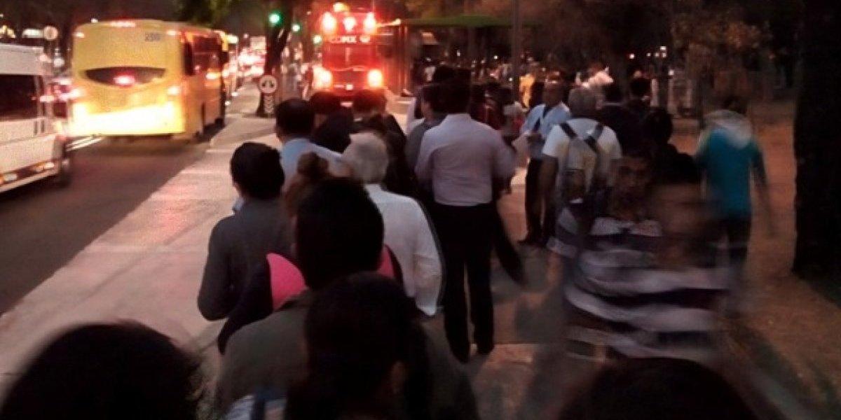 Fallece policía en estación Campo Marte de la Línea 7 del Metrobús