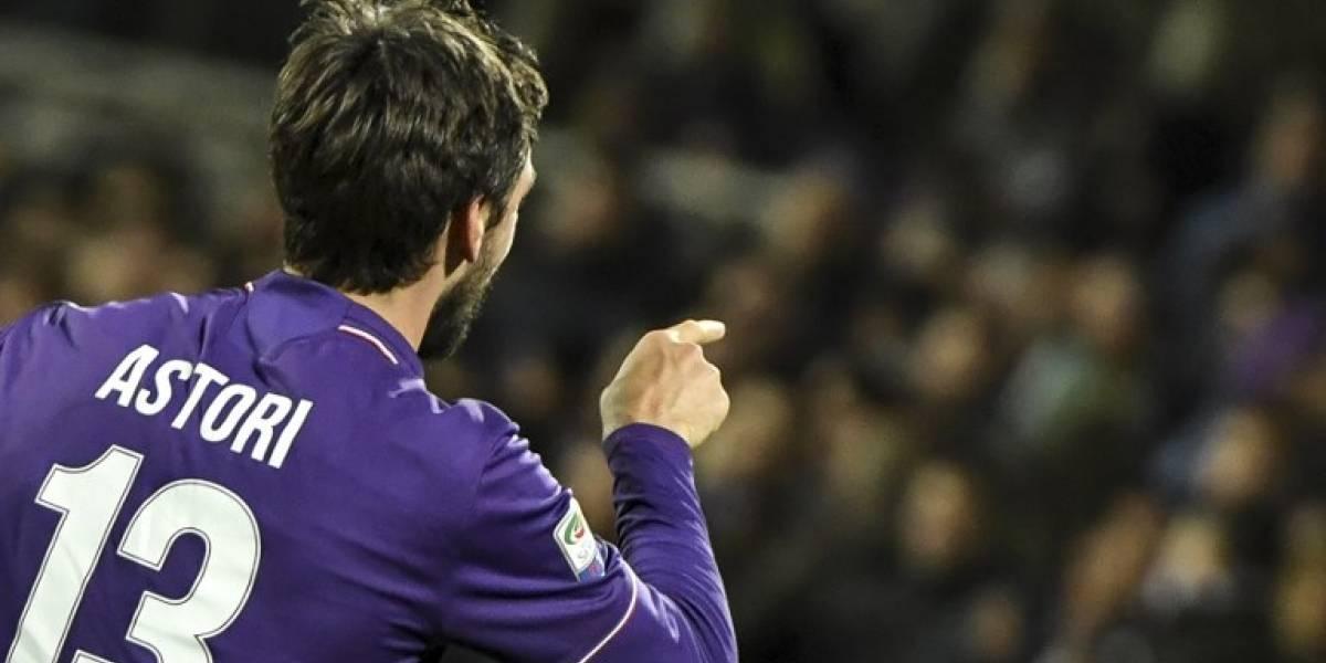 """La Fiorentina y el Cagliari retiran el """"13"""" en memoria de Davide Astori"""
