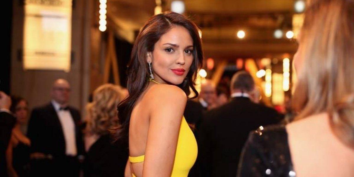 Eiza González responde a críticas por vestido en los Oscar