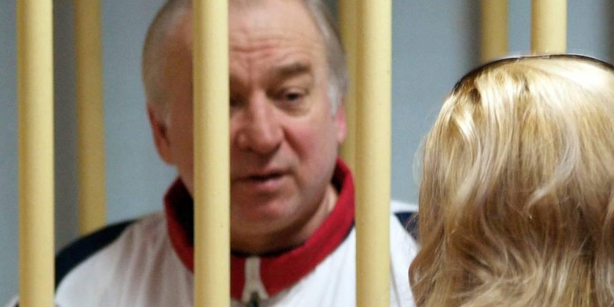 """O misterioso caso do ex-espião russo em estado grave após contato com """"substância desconhecida"""" na Inglaterra"""