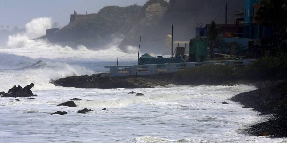 Condiciones marítimas continúan sumamente peligrosas con olas de hasta 20 pies
