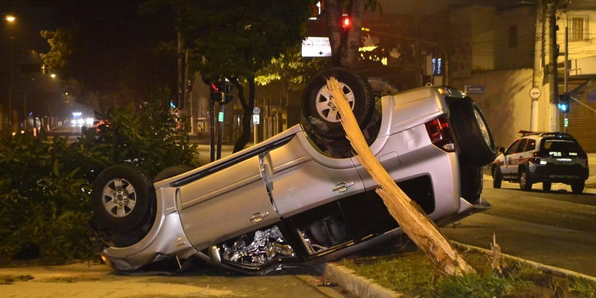 Uma pessoa morre após acidente provocado por motorista bêbado em SP