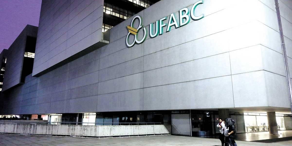 Federais do ABC cortam bolsas que mantêm alunos