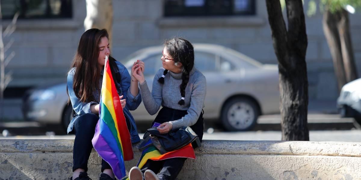Discusión sobre incluir a niños y adolescentes en Ley de identidad de género retrasa su aprobación en el Senado