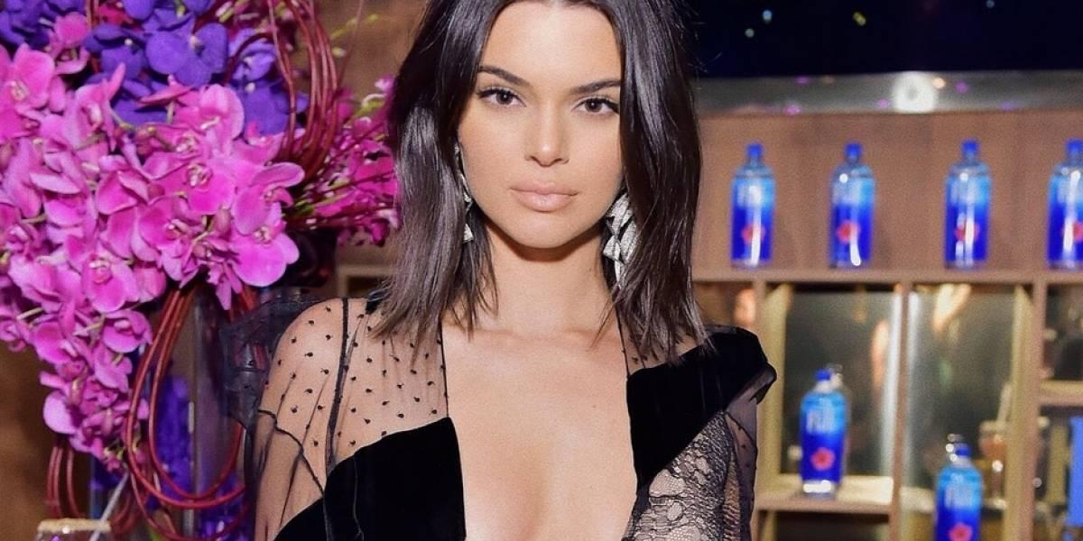Kendall Jenner deja a todos boquiabiertos con sexy vestido en los Oscar