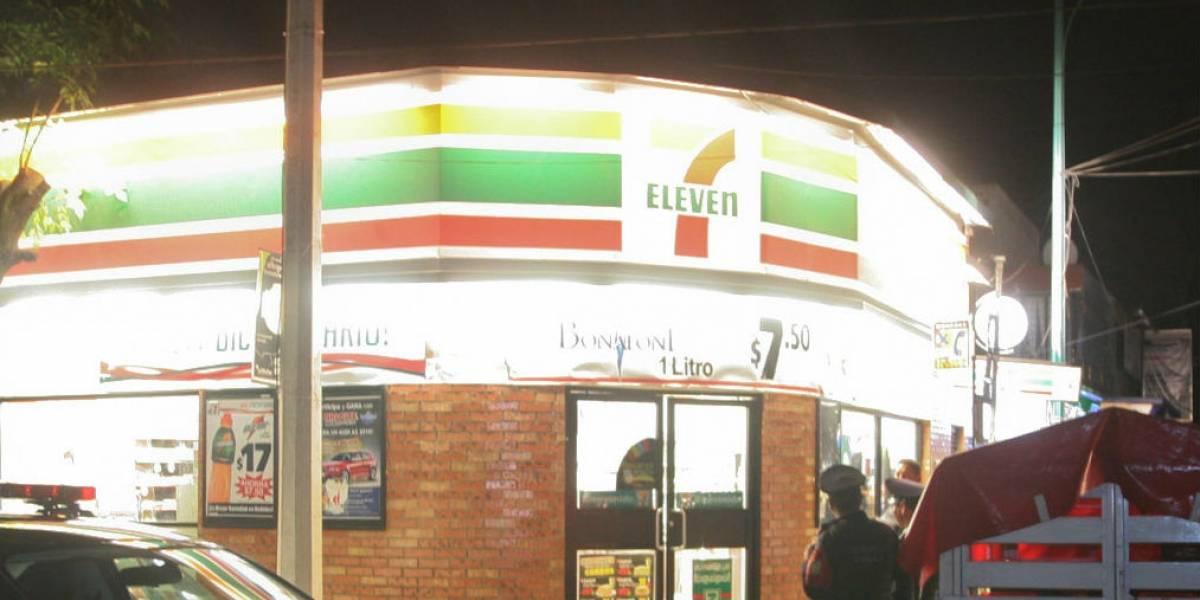 Ladrones se hacen pasar por cajeros de 7-Eleven en Nuevo León