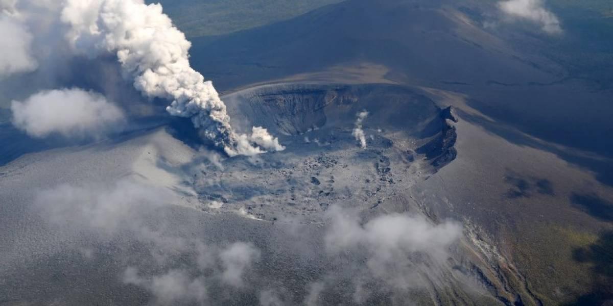 VIDEO. Poderosovolcán japonés entra en erupción