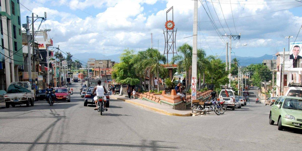 En Los Alcarrizos moradores denuncian atropellos de Edesur