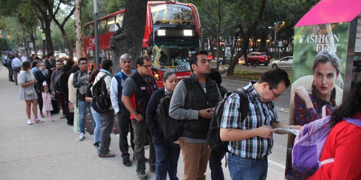 Usuarios de L7 de Metrobús sufren caos y marcha