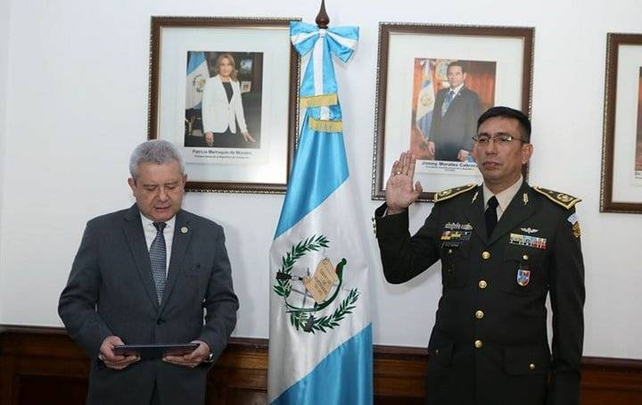 general Julio Paz juramentado como jefe del Estado Mayor de la Defensa