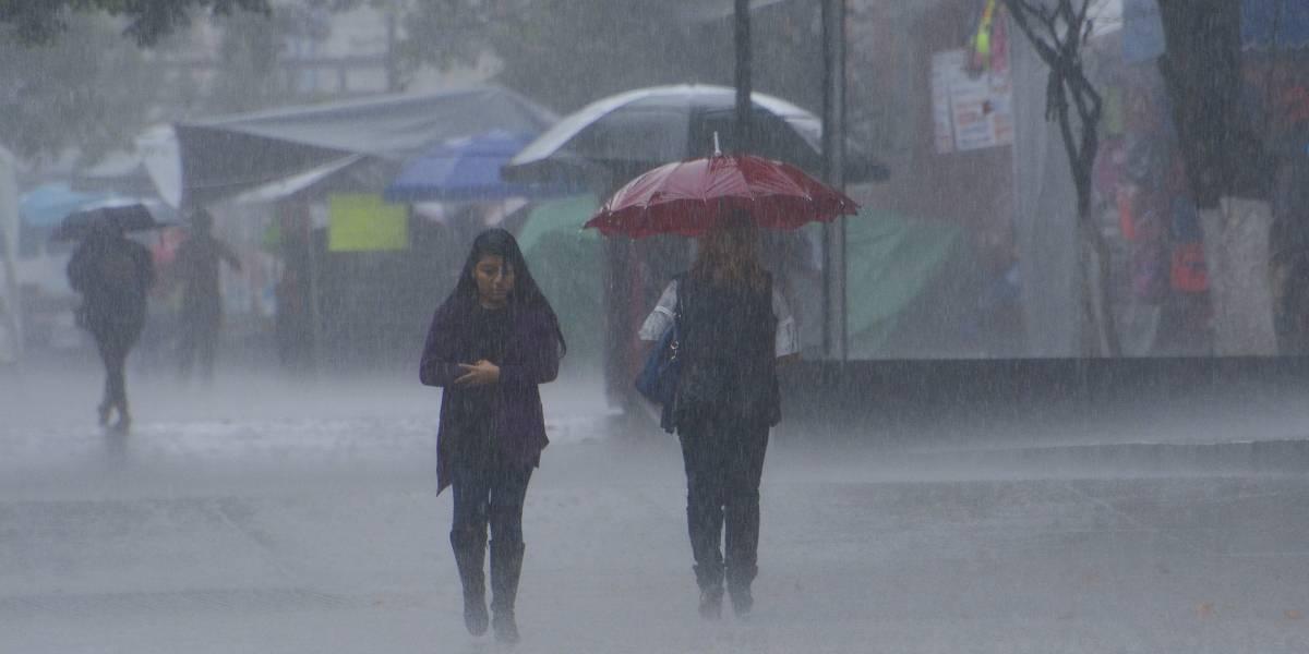 Este martes se esperan tormentas en casi la mitad del país
