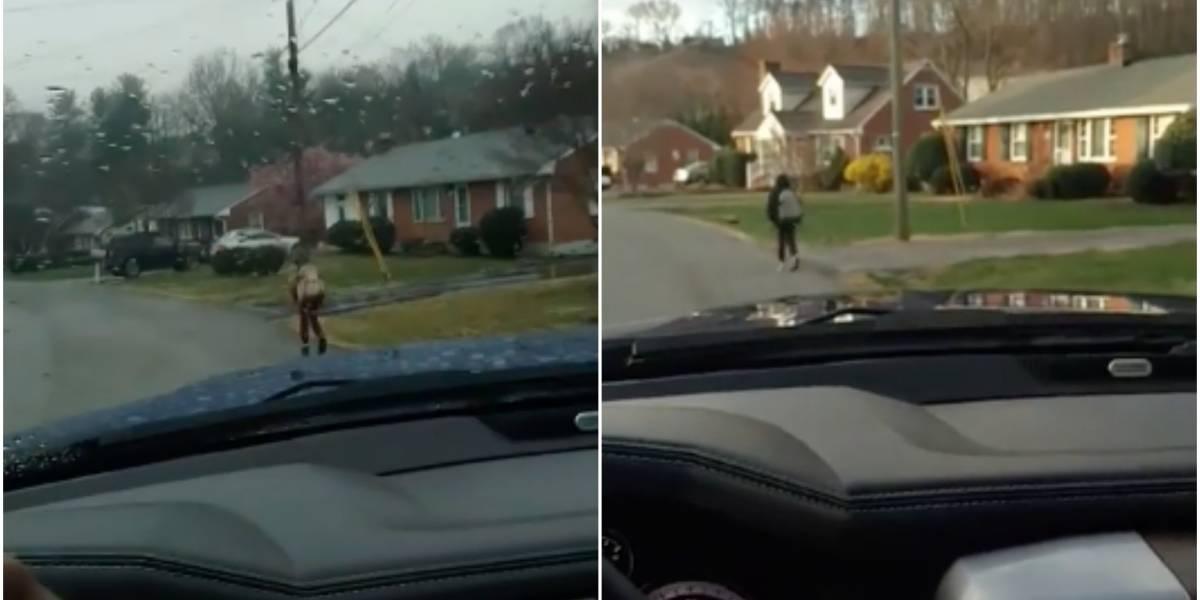 """Castigo ejemplar: Suspendieron a su hijo del bus escolar por comportarse como un """"matón"""" y lo obligó a correr durante una semana 1,6 km para llegar al colegio"""