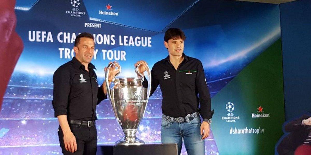 Trofeo de la Champions League visita México