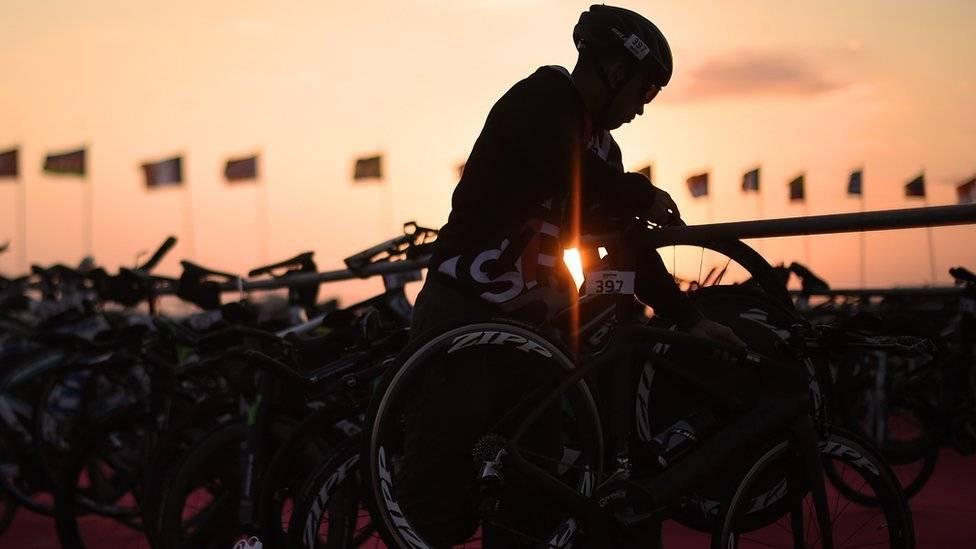 Serruchan las piernas de triatleta que entrenaba — Sudáfrica