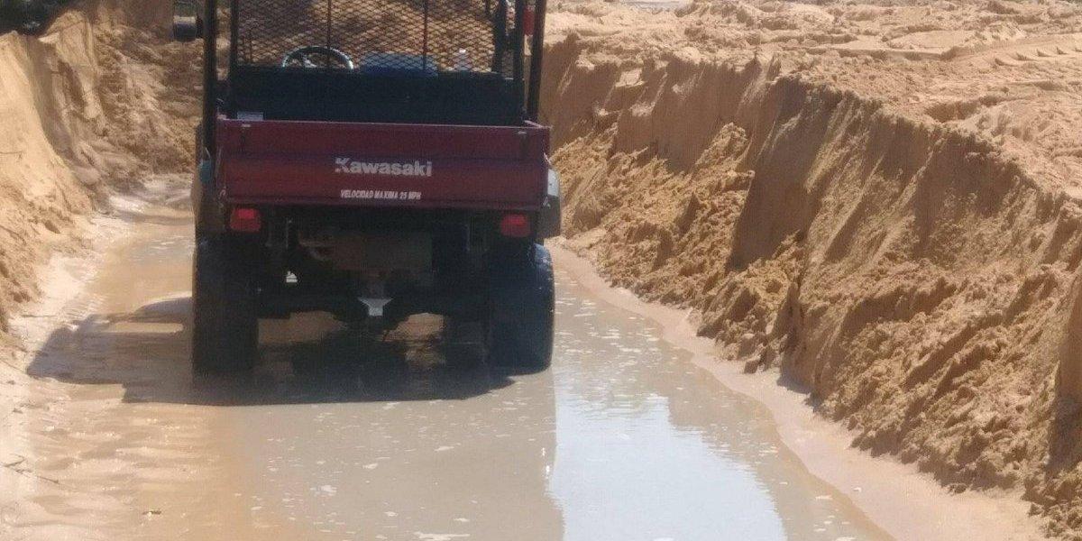 Sacan toneladas de arena en Loíza