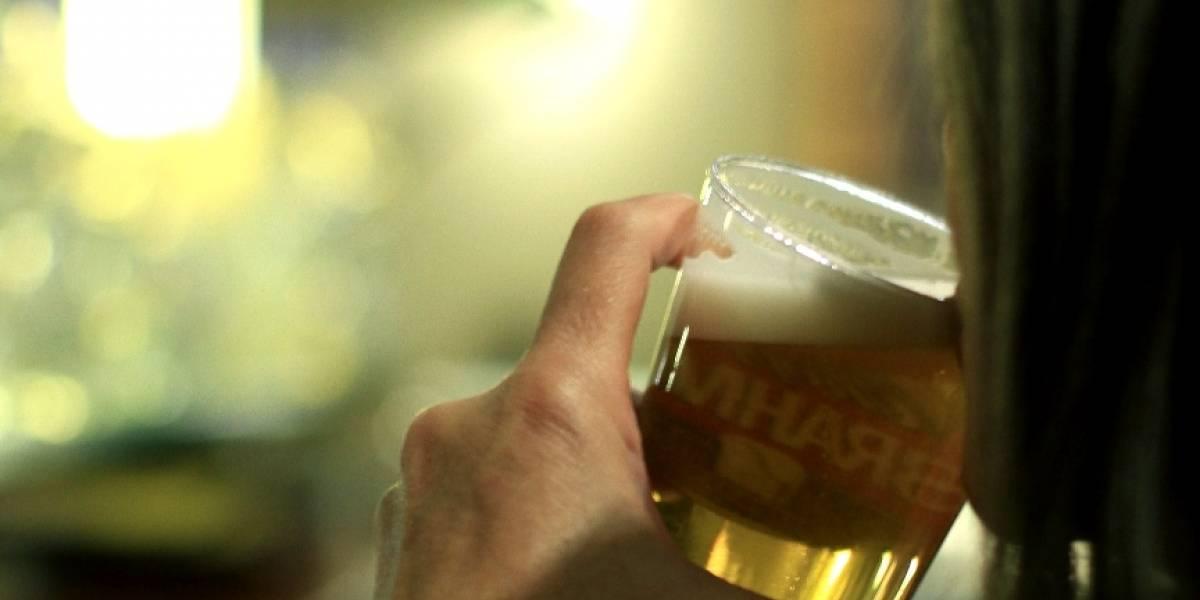 Cerveja é responsável por até 14% do gasto do brasileiro, diz estudo