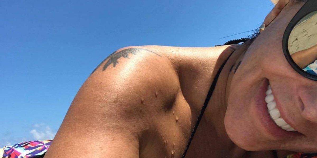 ¡No se salva! Alejandra Guzmán ahora es criticada por cómo luce en bikini