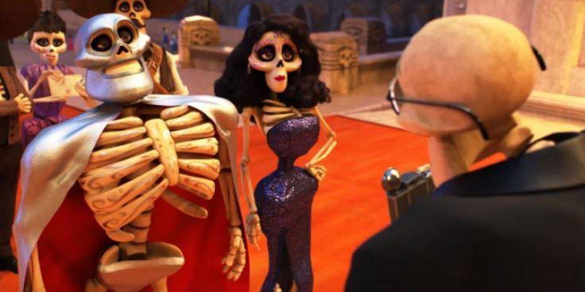 ¿Quién es la sexy acompañante de El Santo en la película 'Coco'?