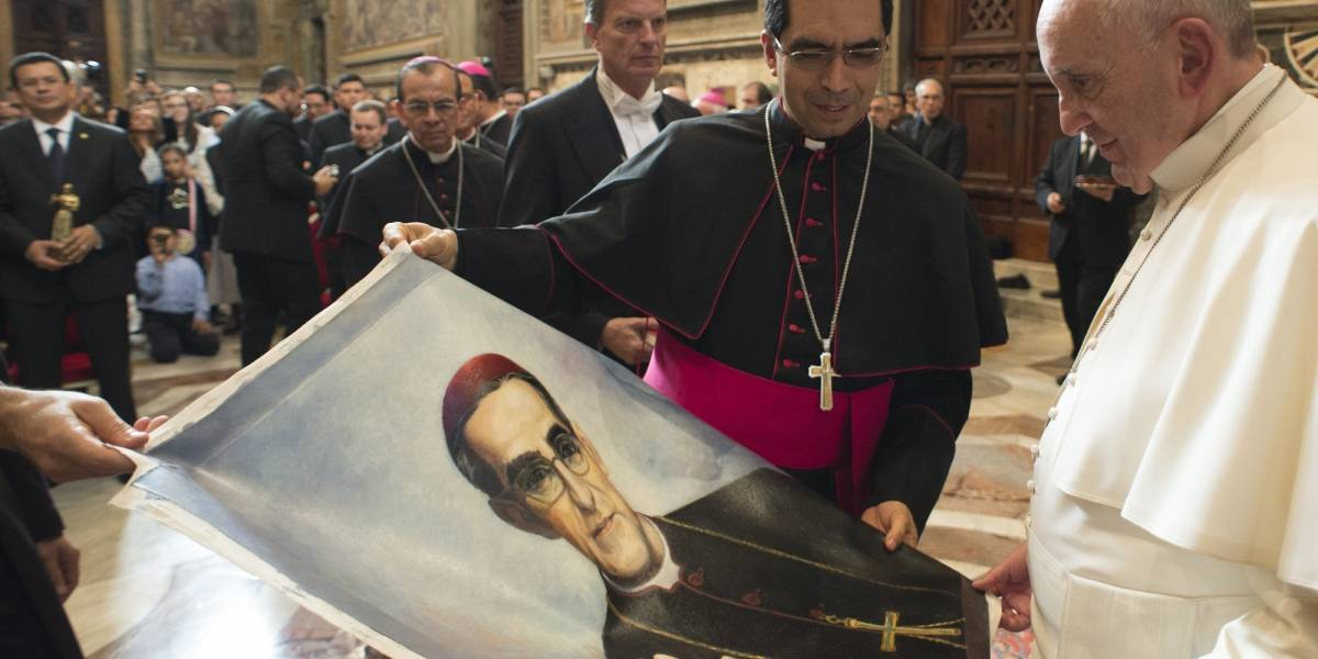 Monseñor Romero, el arzobispo asesinado por denunciar violencia será Santo