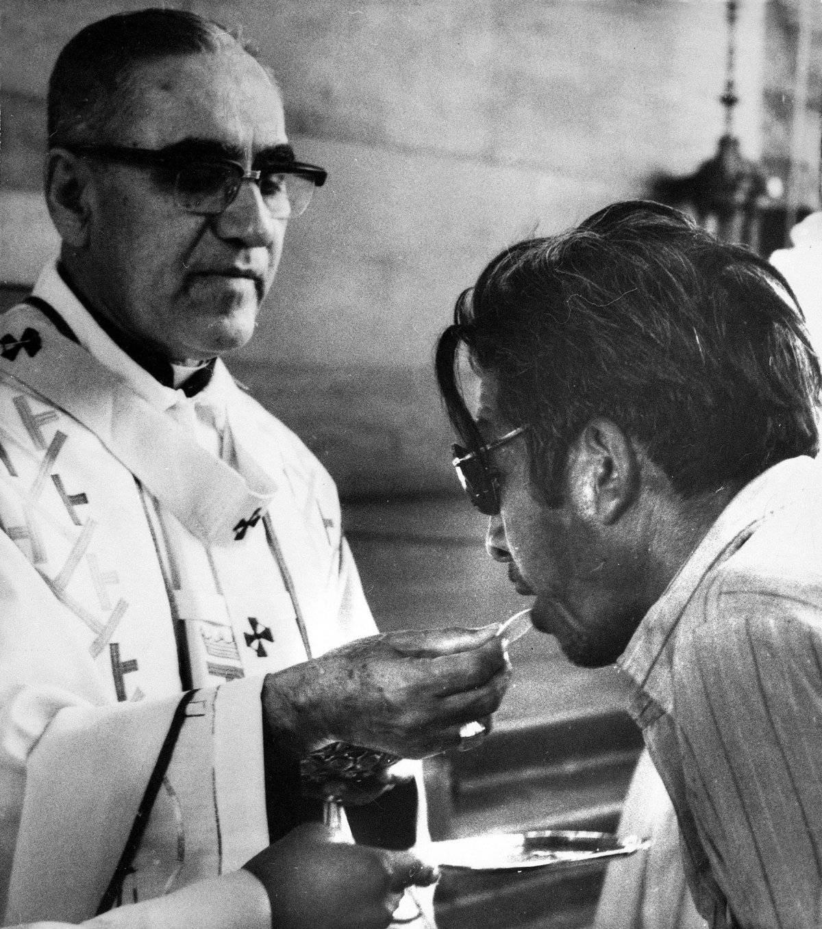 Monseñor Romero fue asesinado mientras realizaba la Eucaristía