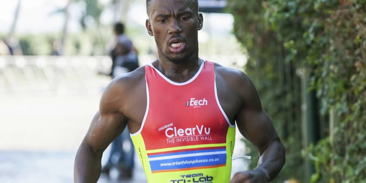 Le serruchan las piernas a un triatleta que entrenaba