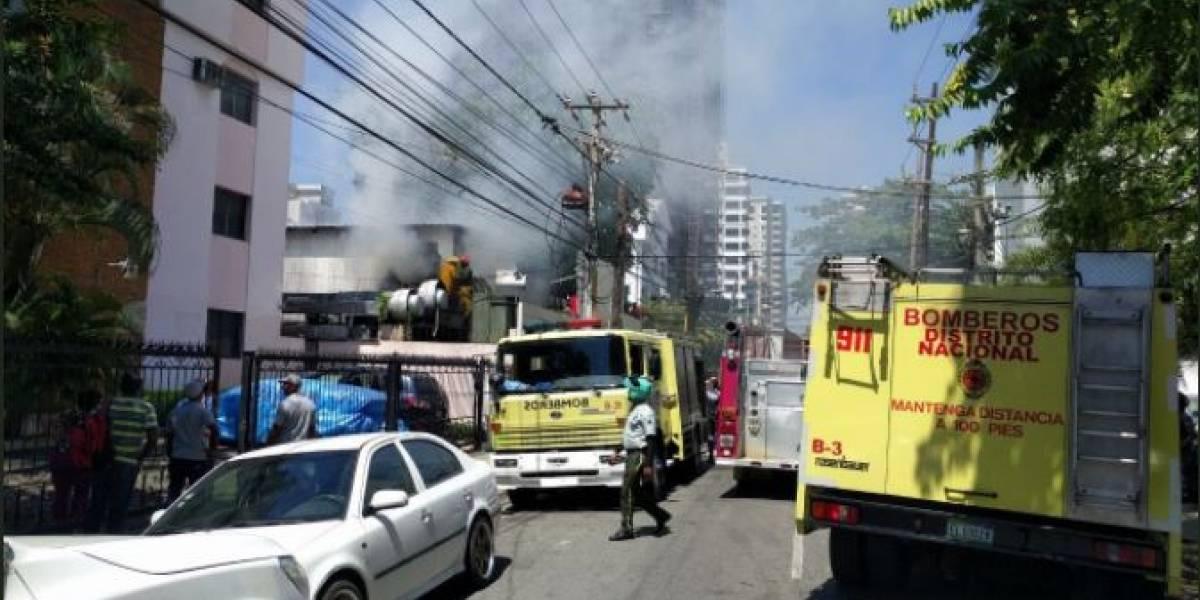 Incendio afecta almacén del restaurante Julieta en Piantini