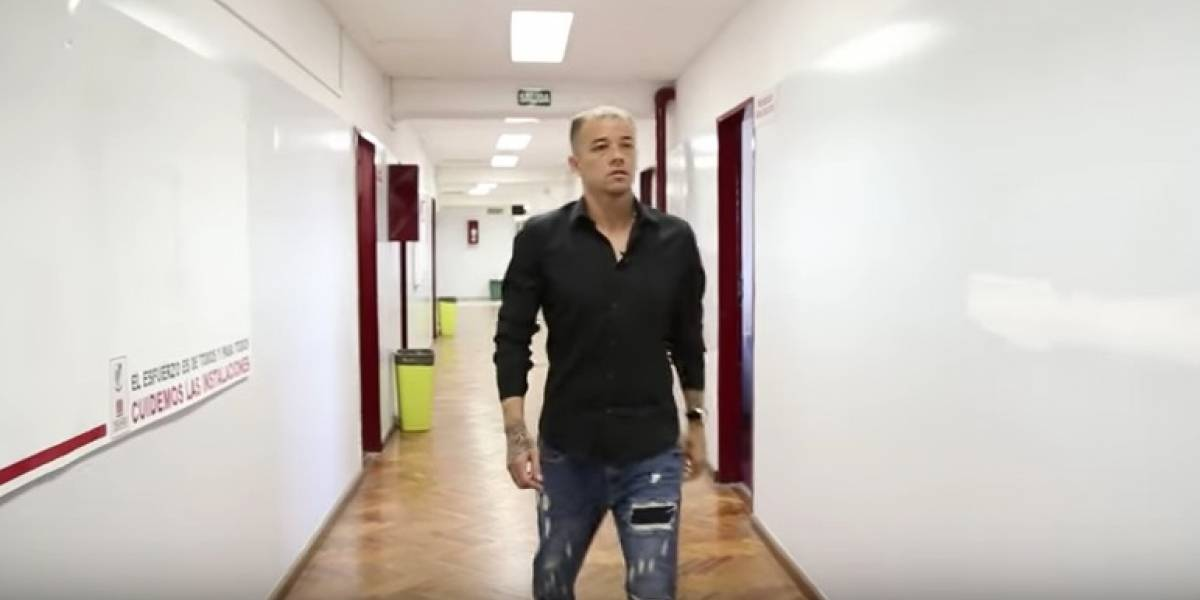 Ejemplo para todos: Andrés D'Alessandro terminó el colegio a los 36 años