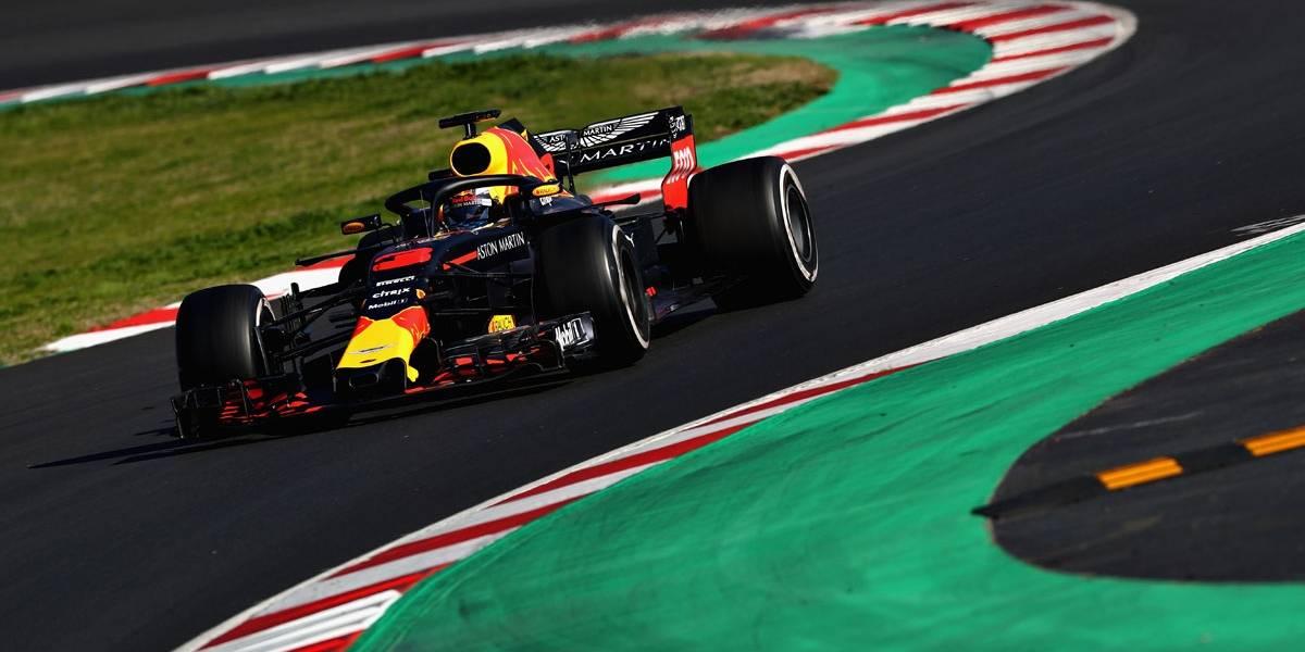 Ricciardo supera Ferrari e Mercedes e crava melhor tempo da pré-temporada da F-1