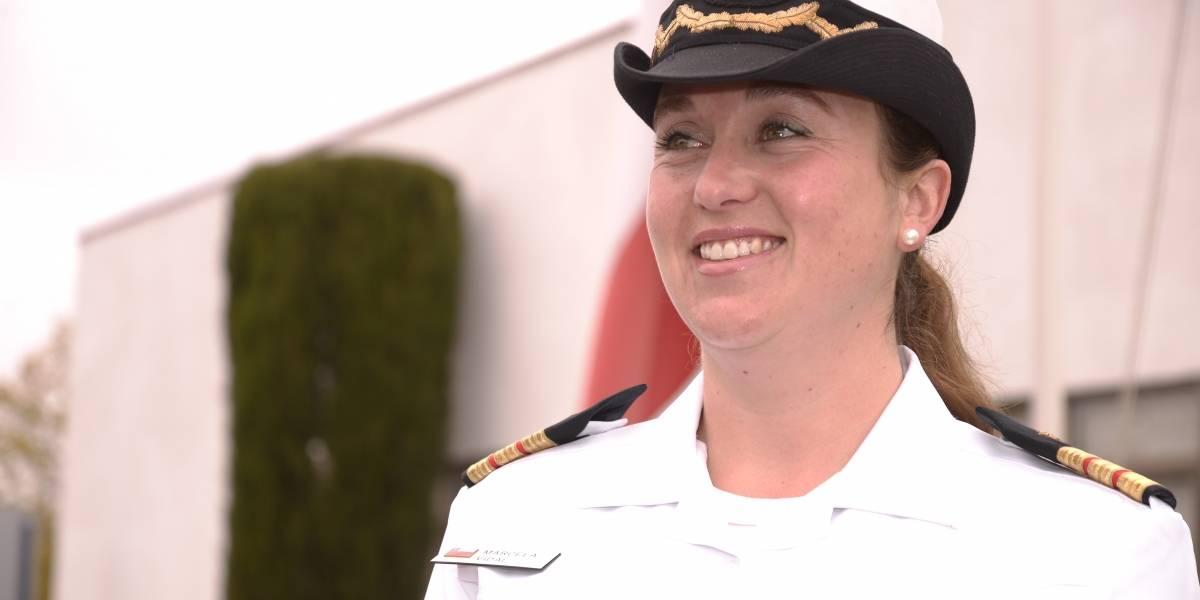 """La primera mujer capitán de fragata en Chile: """"No es que la Armada sea de hombres, es que el mundo es de hombres"""""""