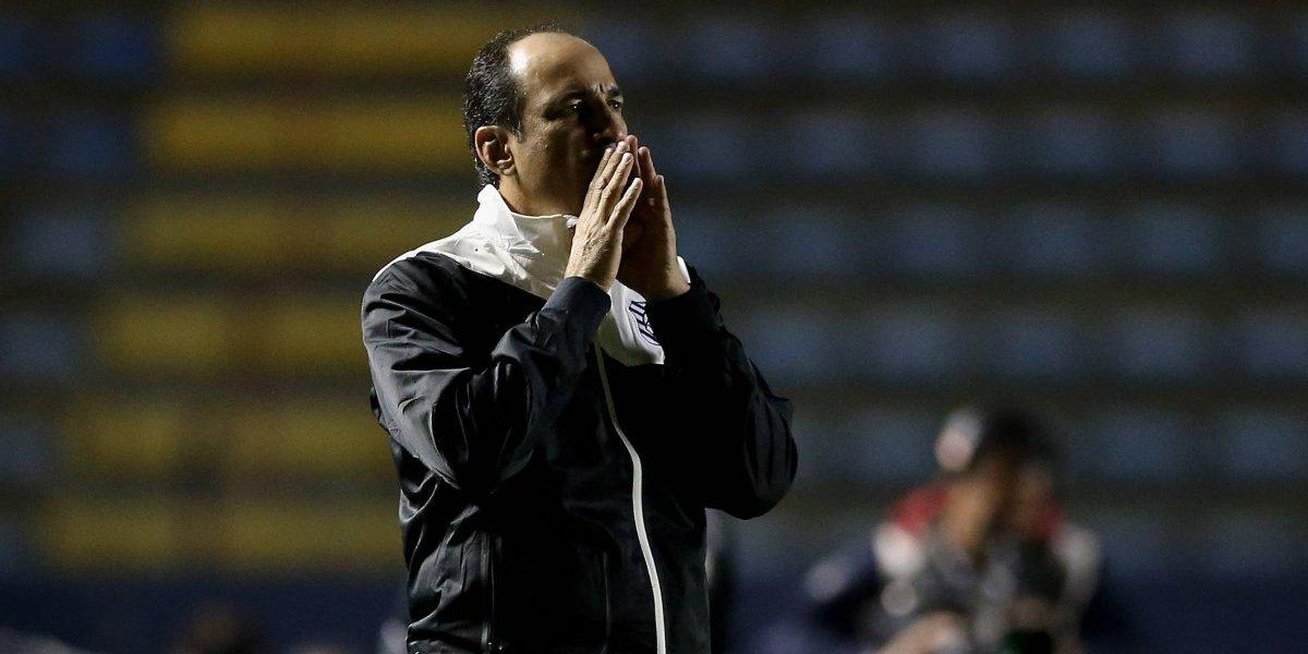 """DT de Bolívar quiere dar el golpe de gracia a Colo Colo: """"Si ganamos alejamos bastantes sus chances"""""""