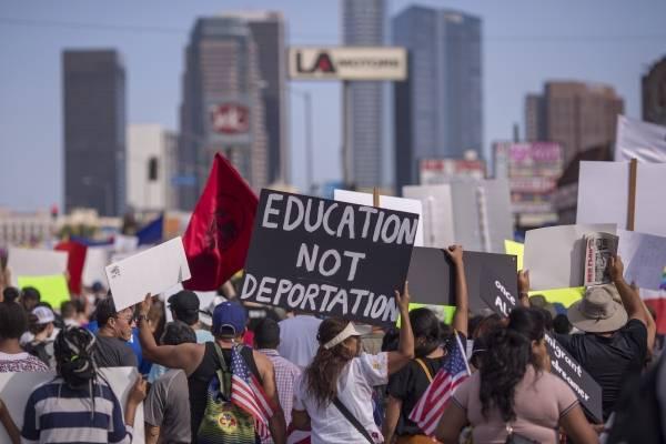 Manifestaciones en favor de los Dreamers y del programa DACA en Los Ángeles, California