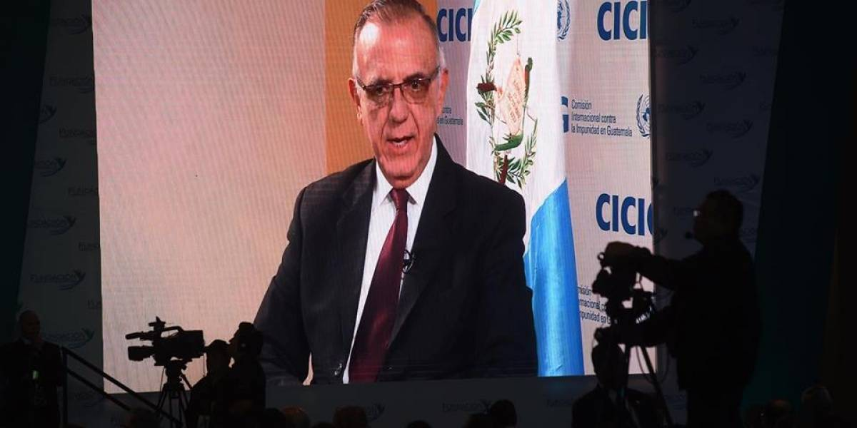 """Iván Velásquez: """"La corrupción no es problema de un gobierno ni de una persona"""""""