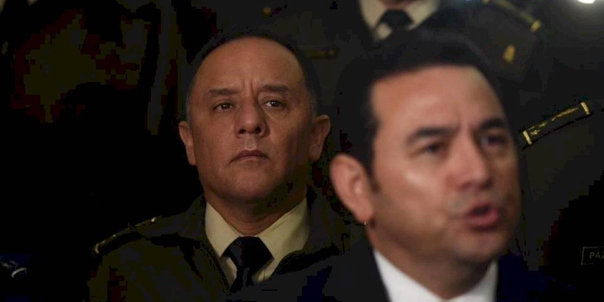 Presentan antejuicio contra el Presidente y el ministro de la Defensa por compra de aviones