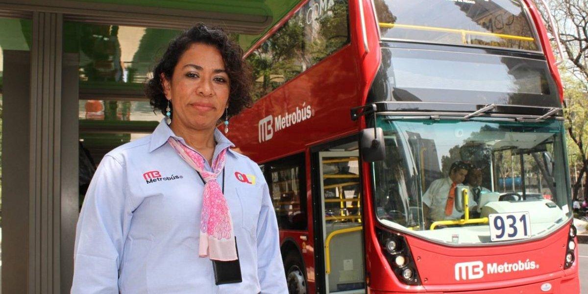 """En Metrobús derriban estigma de """"mujer al volante, peligro constante"""""""