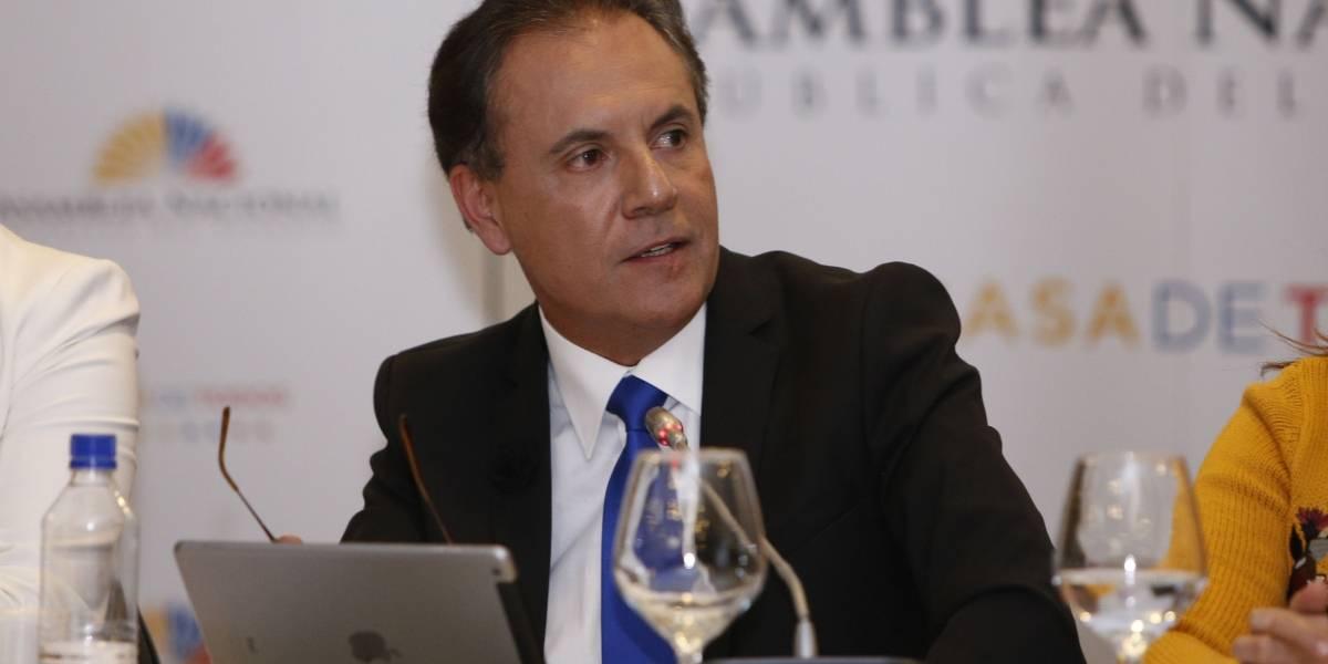 CPCCS transitorio destituye a Carlos Ochoa de la Supercom