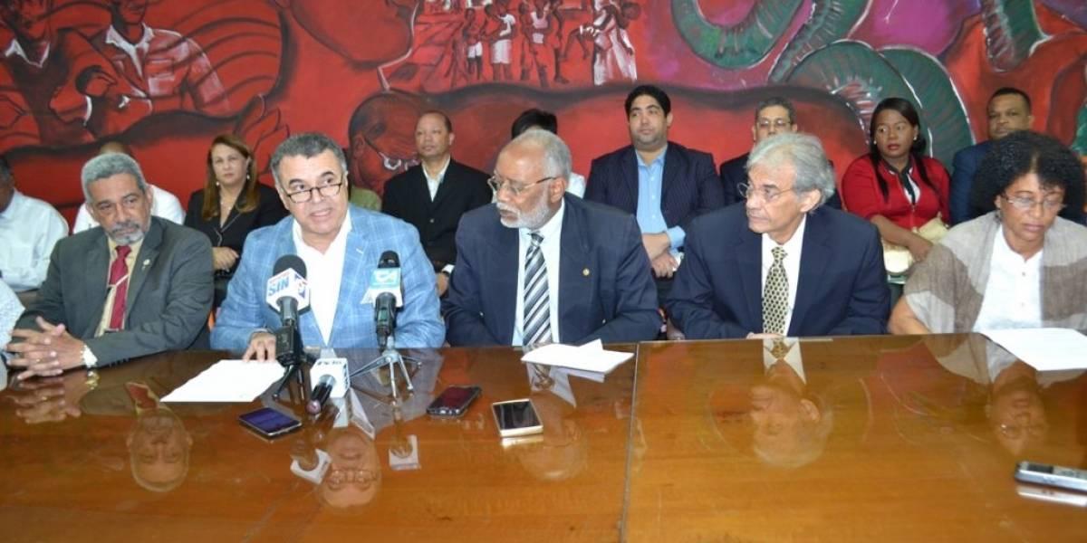 CMD y 45 asociaciones médicas exigen libertad del doctor Julio Gómez