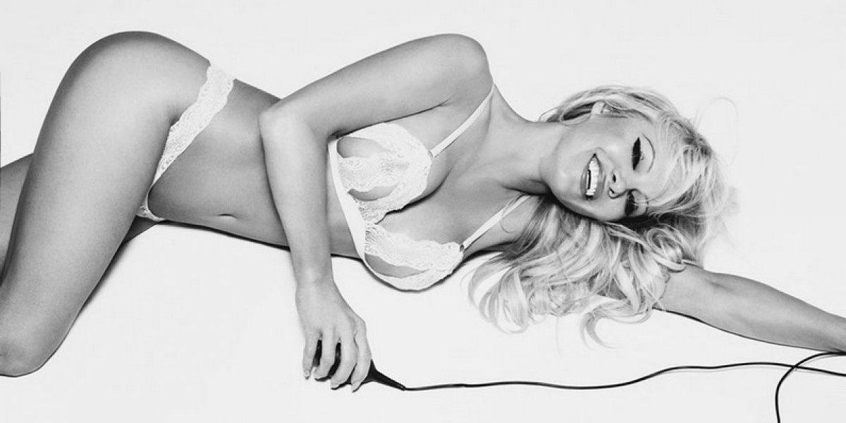 Futbolista francés cumple fantasía sexual a Pamela Anderson