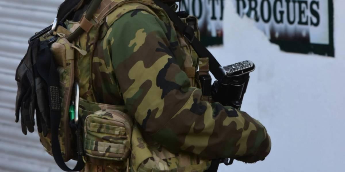 Militar mata a asaltante que pretendía robarle su camioneta en el Edomex