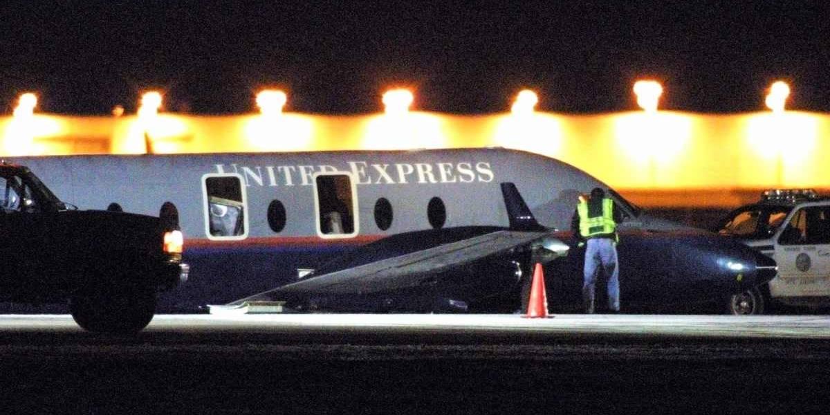 """""""Yo soy Dios"""": mujer instauró el pánico en pleno vuelo luego de intentar abrir la puerta de emergencia"""