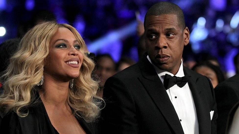 La idea de que una mujer empoderada, talentosa y bella como la cantante Beyoncé fuera engañada por su marido, el productor Jay-Z, sorprendió a muchos. Getty Images