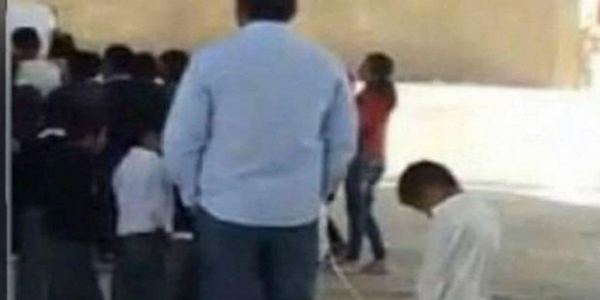 Suspenden a maestro de primaria que amarró a un alumno en Puebla