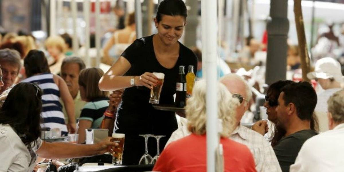 Mujeres ganan 15 % menos que los hombres en Latinoamérica, según la OIT