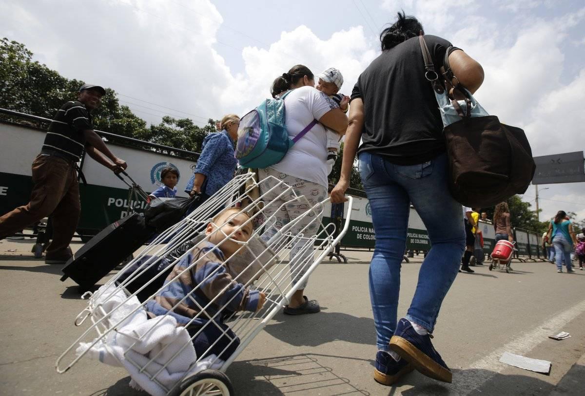Los casos de mortalidad infantil y de bebés han crecido de forma brusca y enfermedades antes erradicadas como la difteria han reaparecido.