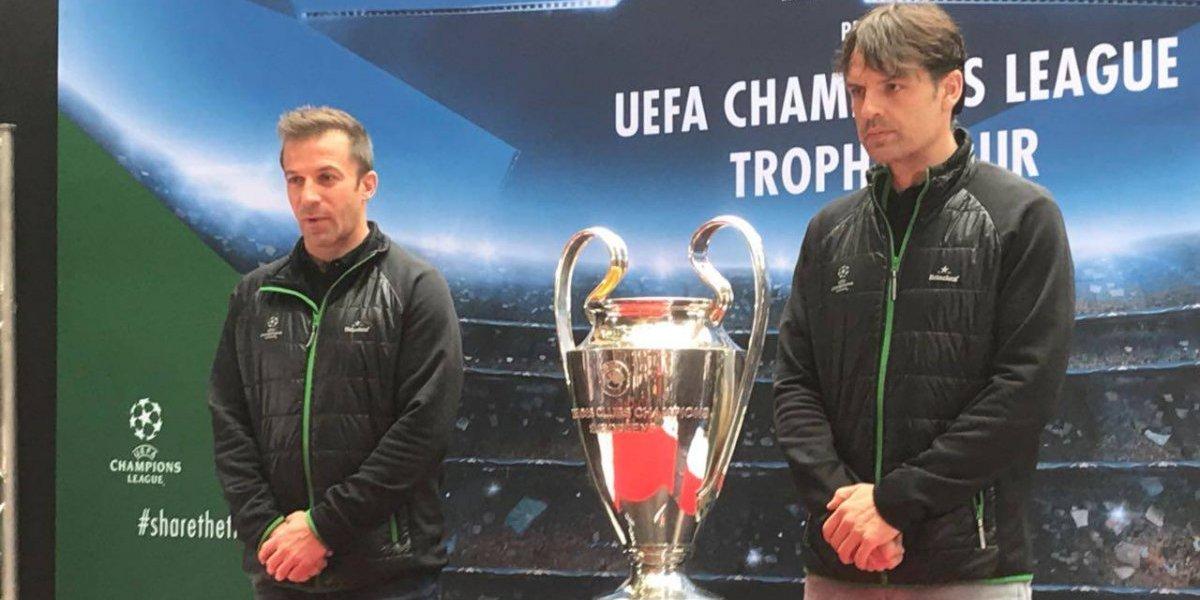 Arropa Monterrey trofeo de la Champions League