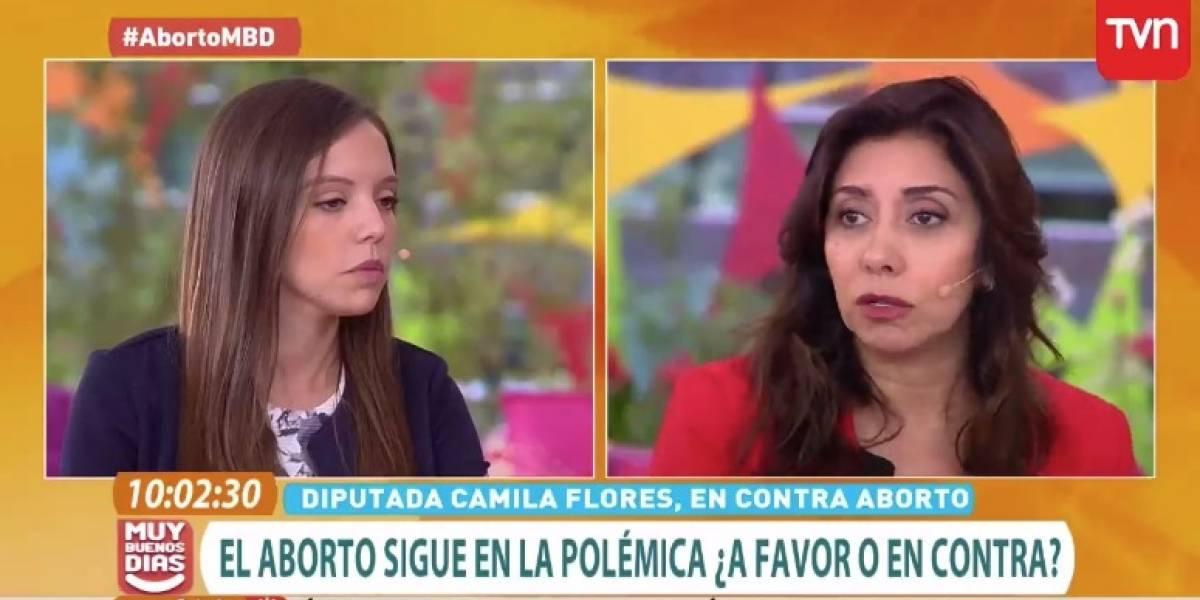 """""""¡Qué ignorancia más grande!"""": Las críticas a la diputada Camila Flores tras mostrarse en contra del aborto en el matinal """"Muy buenos días"""""""