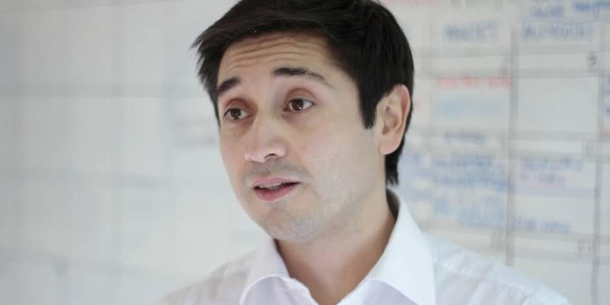 """Diputado electo DC Miguel Calisto es deportado desde Cuba y exigen """"reacción firme"""" de Cancillería"""