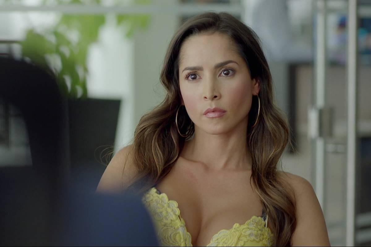 Actrices Colombianas Tetonas televisión: carmen villalobos protagonizó candente escena en