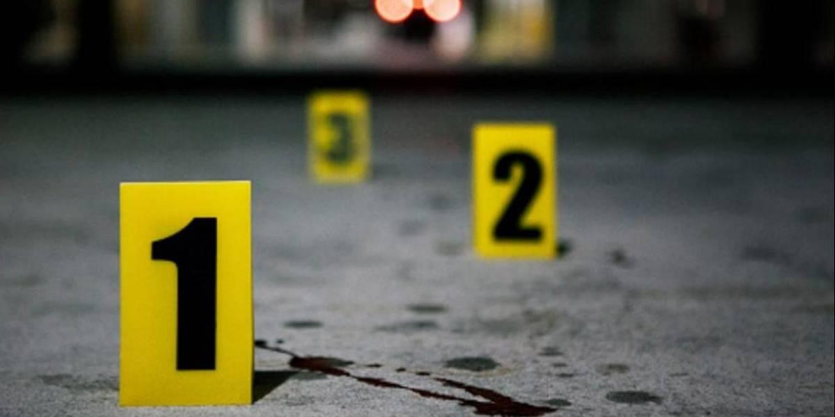 Atacan a pareja afuera de taquería en Nuevo León