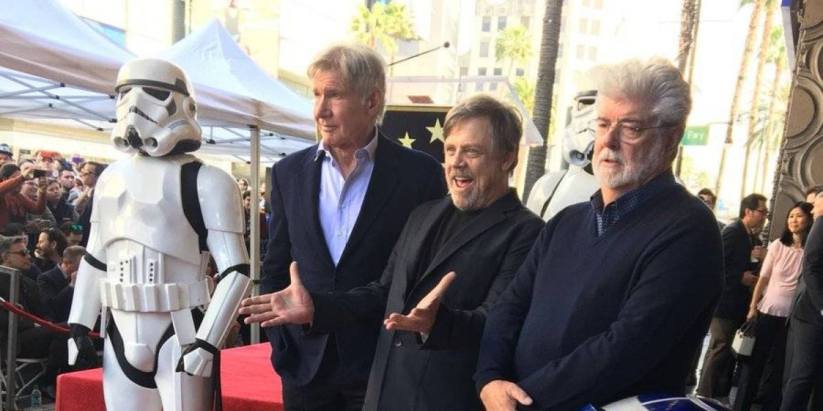 ¡Por fin! Mark Hamill tiene su estrella en Hollywood
