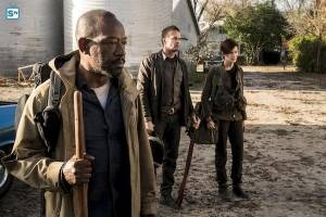 fearthewalkingdeadseason4photo1full-ee8e342524d931f2b5653af10a5a5f8b.jpg